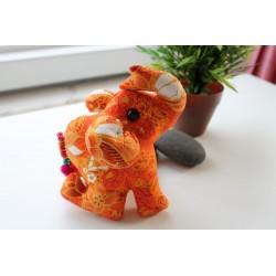 Stoffelefant in Orange / Höhe ca. 18 cm