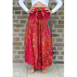 Hippie skirt summer dress in red floral pattern with coconut buckle