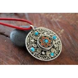 Amulett aus Nepal Türkis Koralle