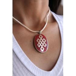 Amulett mit Knoten der Ewigkeit in Rot