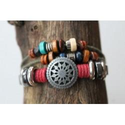 Fashion bracelet adjustable in size