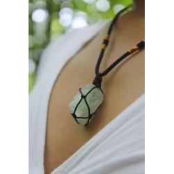 Halskette Flourit Anhänger Rohflourit Glücksbringer Schutz Gleichgewicht für einen wachen Geist