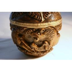 Holzdose Elefant / Löwe geschnitzt - 7,5 cm (MITTEL)