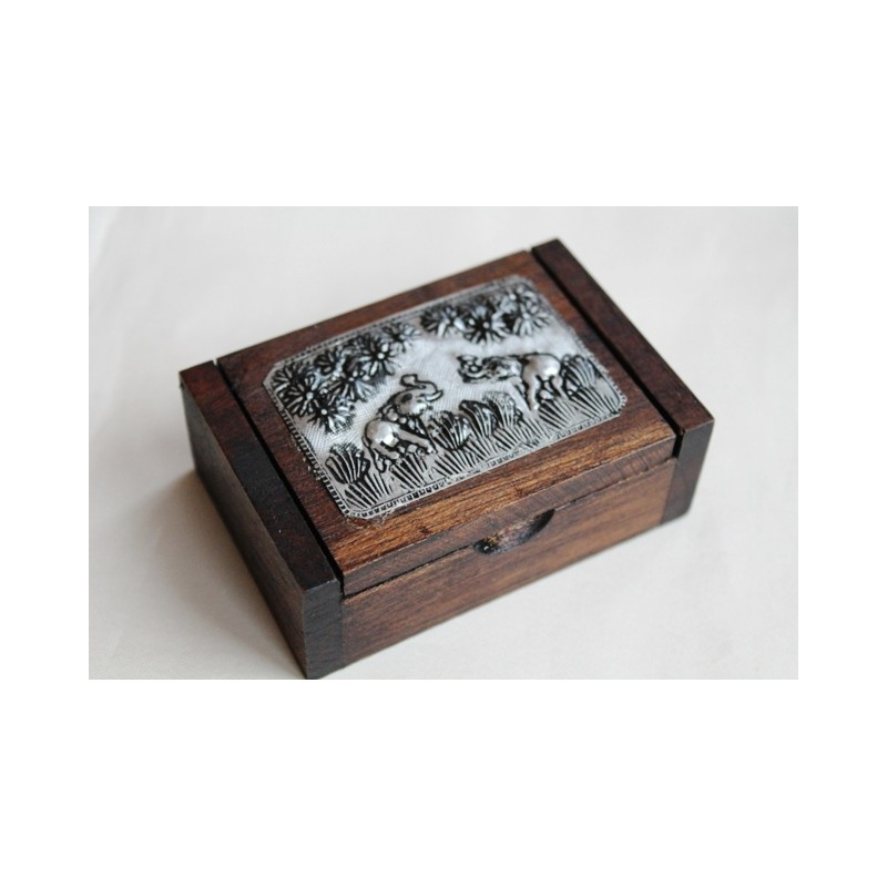 Döschen aus Holz quadratisch mit Elefantenmotiv 8x6 cm