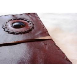 2. Wahl: Notizbuch mit Echtledereinband und Stein 23x13 cm - LEDER-N015-B