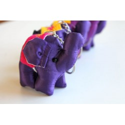 Schlüsselanhänger / Anhänger Stoffelefant Violett