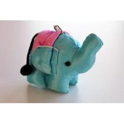 Schlüsselanhänger / Anhänger Stoffelefant Hellblau
