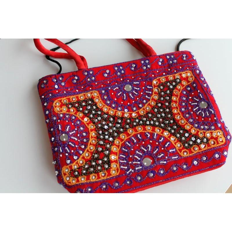 Typische indische Tasche einfach in Rot